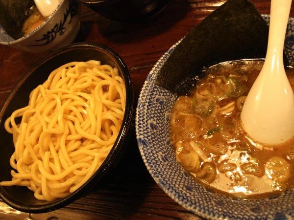 下北沢はつけ麺激戦区?つけ麺・岩で太麺を食べきた
