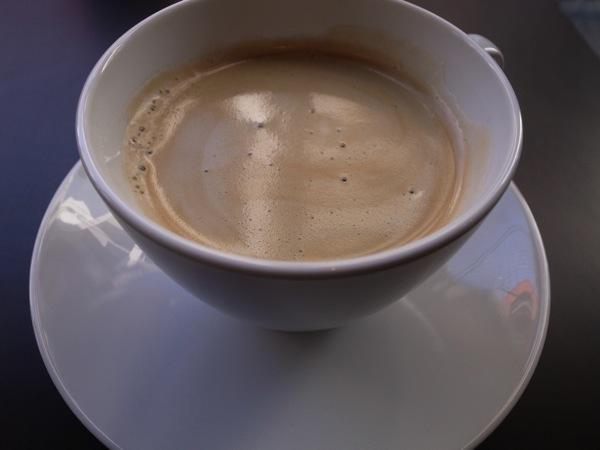 大きいマグでコーヒー
